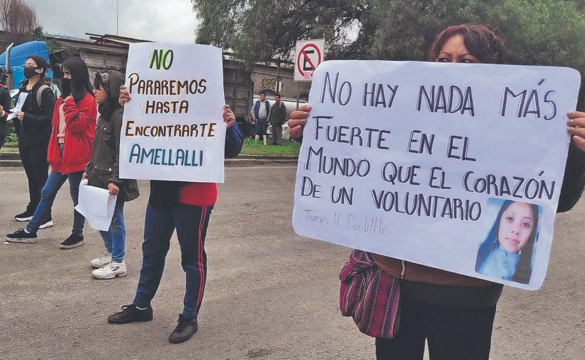 Bloquean la carretera México-Texcoco por la desaparición de una menor, en el Edomex