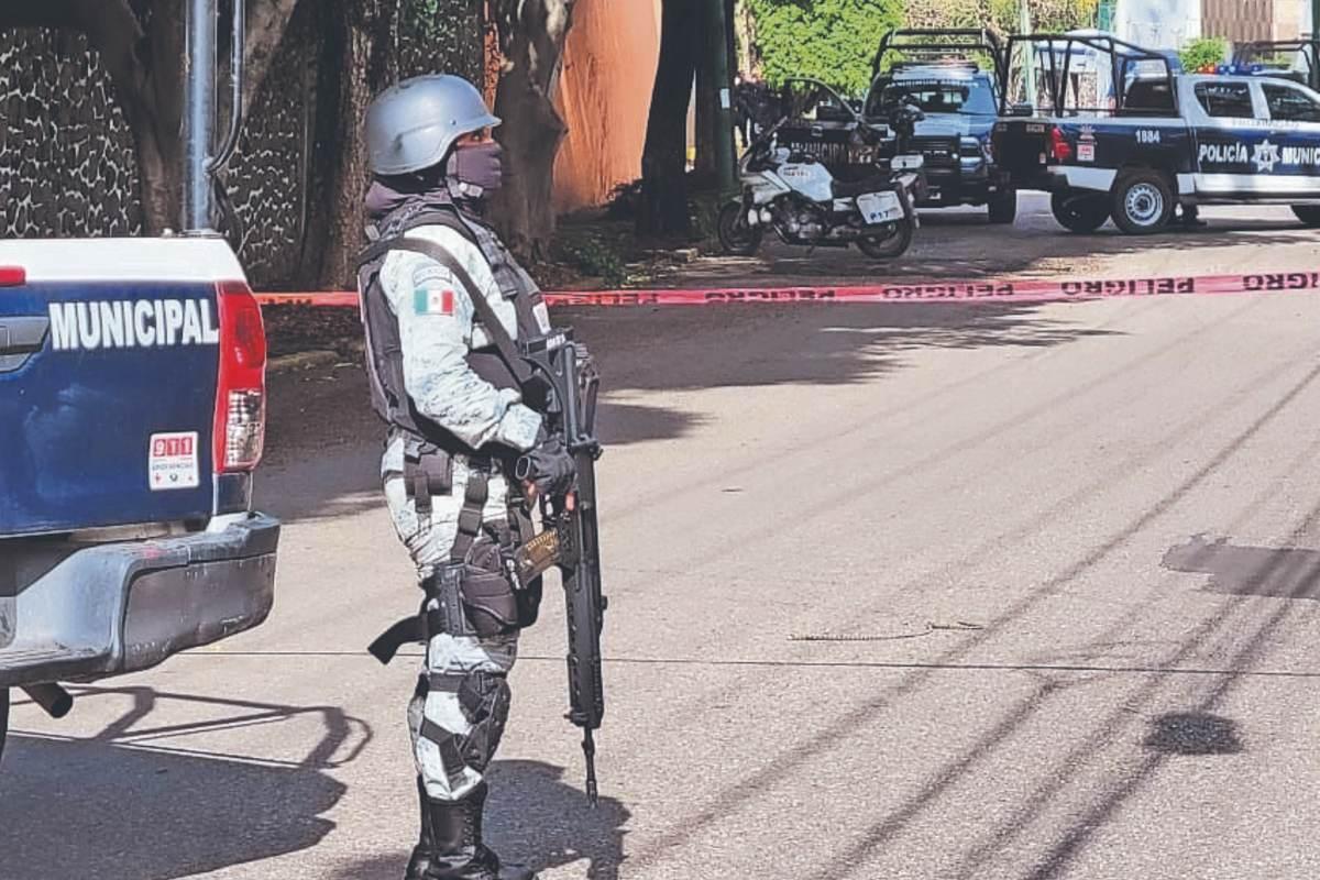 Asesinan a balazos ratero al ser descubierto cuando se quería meter a una casa, en Morelos