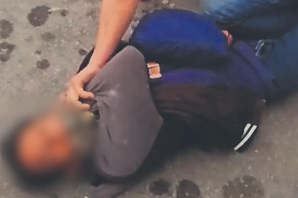 Chofer le da tremenda madrina a ratero que fingió ser pasajero para asaltar, en Morelos