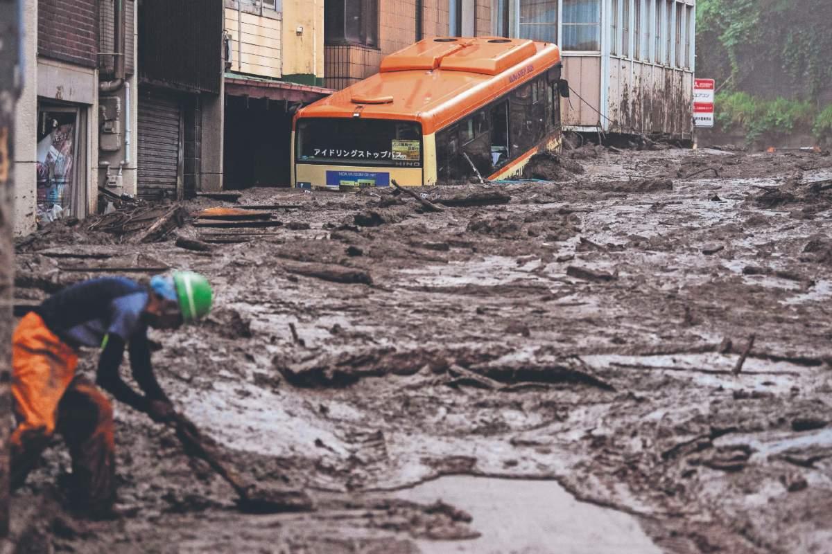 Intensas lluvias dejan 2 muertos y una veintena de desaparecidos, en Japón