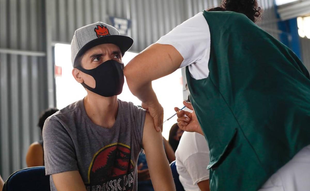 En Naucalpan, unos 20 mil adultos de 40 a 49 años viajaron a EU a vacunarse contra Covid