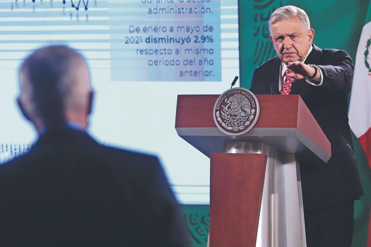 """AMLO defiende su política de """"abrazos y no balazos"""" para combatir el crimen en México"""