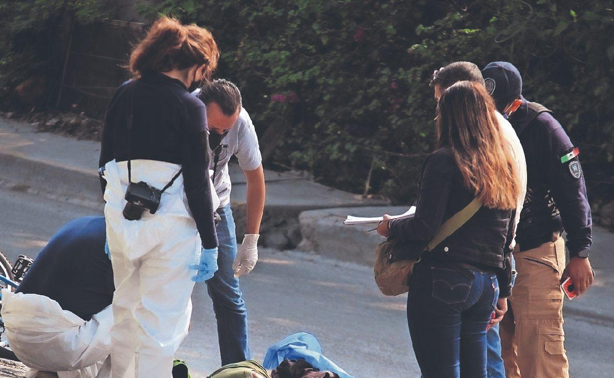 Señor muere desangrado tras ser atropellado cuando iba a su trabajo, en Morelos