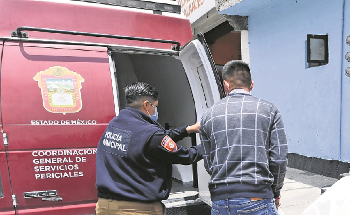 Hallan sin vida a mujer y menor en su domicilio en Naucalpan, ella murió por golpes