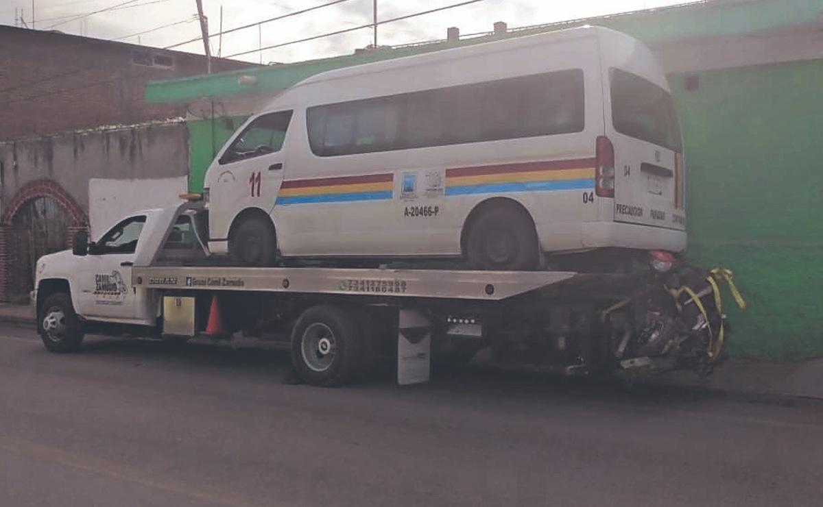 Mujer biker fallece al impactarse contra una combi en Morelos, no traía casco puesto
