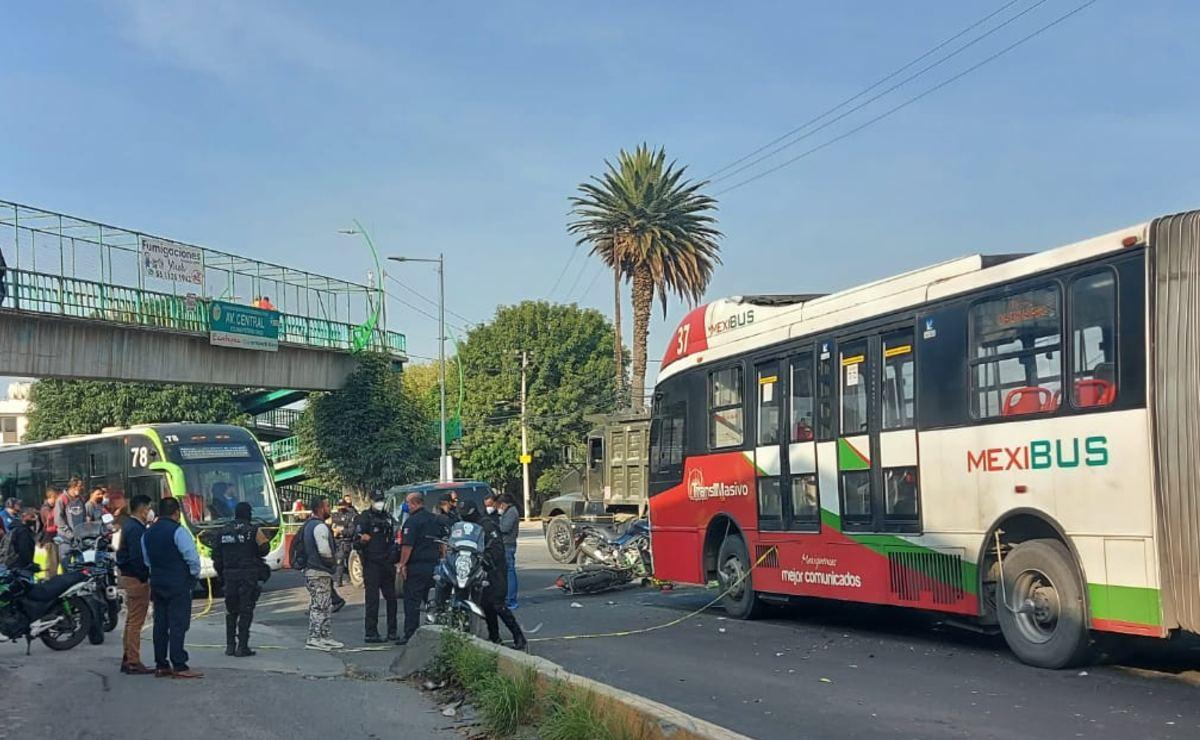 Colapsa servicio de Mexibús tras muerte de motociclista que invadió el confinado, Ecatepec