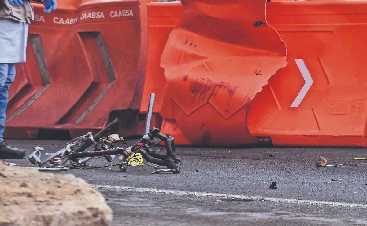 Muere ciclista tras ser atropellado en tramo 'maldito' de la autopista México-Toluca