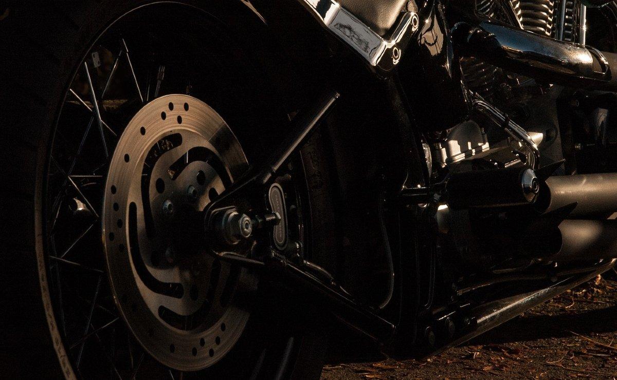 Fallece biker que se encontraba grave en el hospital tras fuerte choque, en Morelos