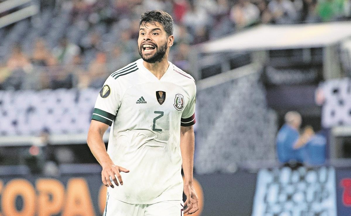 'Chucky' Lozano deja la concentración de la selección mexicana, se regresa a Italia