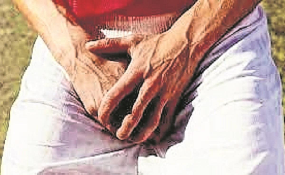 Hombre con demencia senil casi estrangula su pene con ligas elásticas