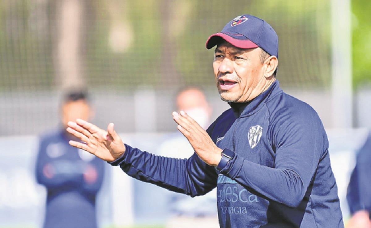 Nacho Ambriz quiere llevarse jugadores mexicanos a España, pero no tiene presupuesto