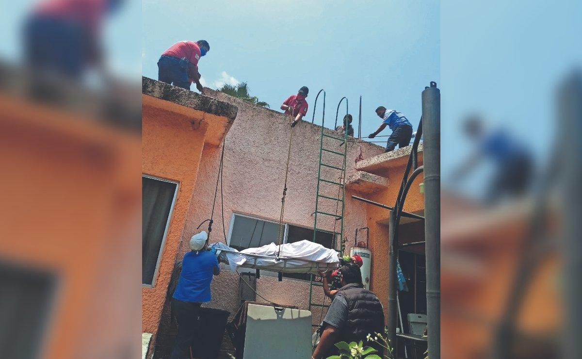 Señor se pone a hacer arreglos eléctricos en su casa y muere de una descarga, en Morelos