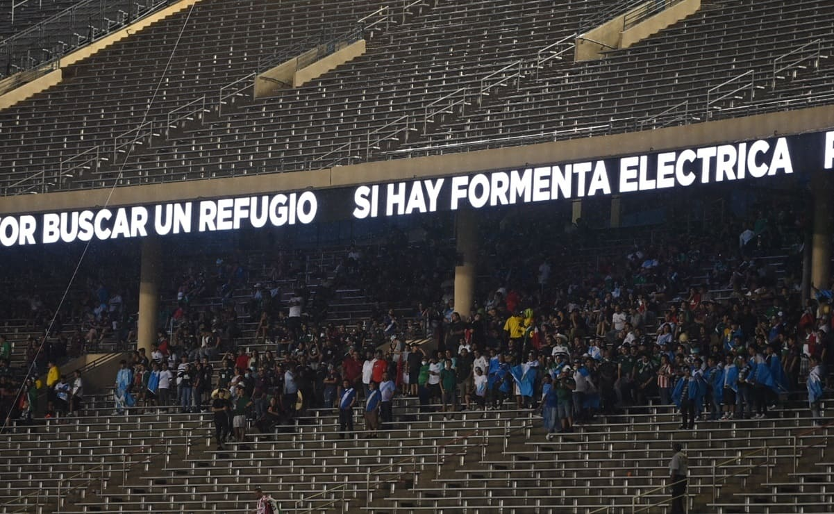 Aficionados abandonan a la Selección Mexicana en Estados Unidos
