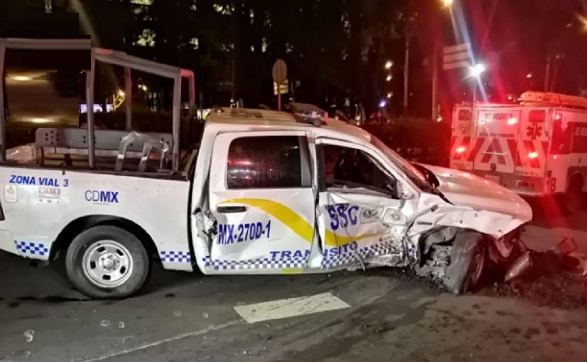 Choque de auto contra patrulla deja tres lesionados en Paseo de la Reforma, en la CDMX