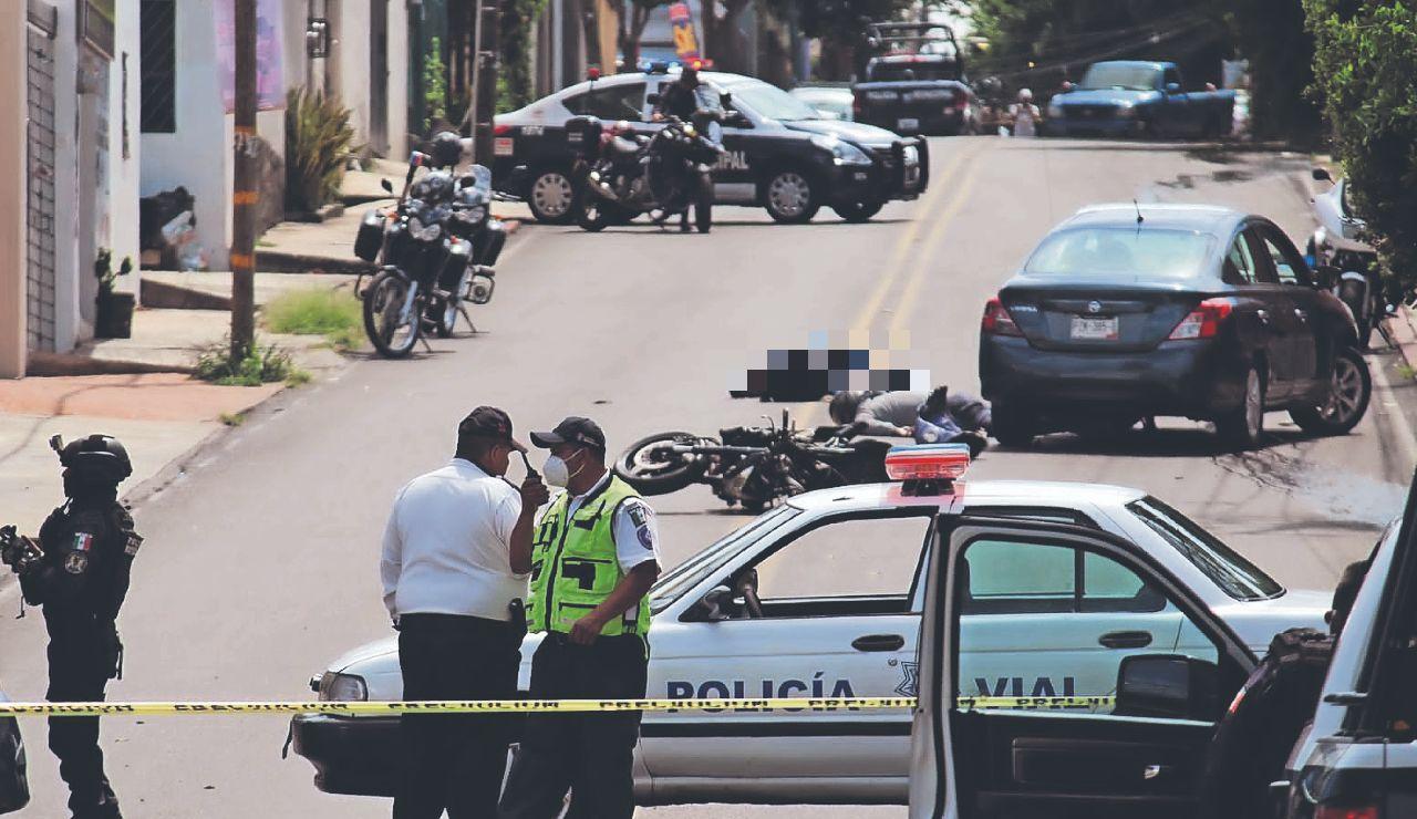 Víctima baleó a asaltante antes de que muriera atropellado junto con cómplice, en Cuernavaca