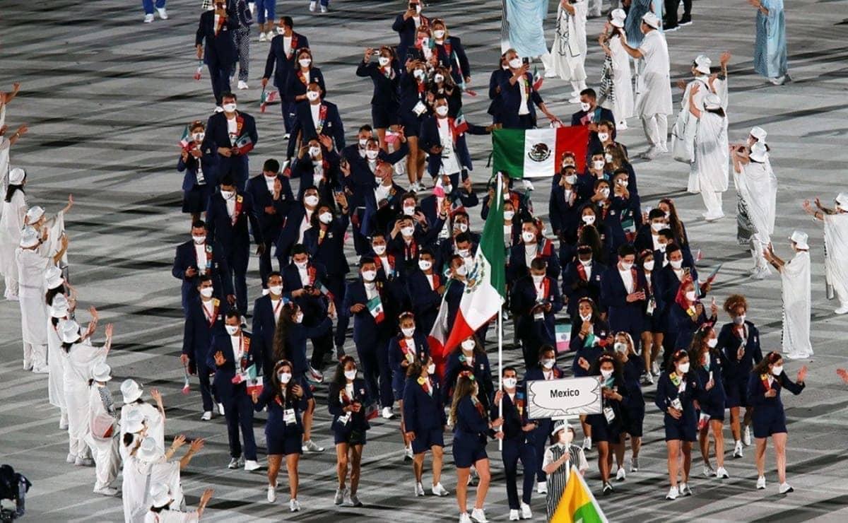 Gaby López y Rommel Pacheco lideraron a la delegación mexicana en la inauguración de Tokio