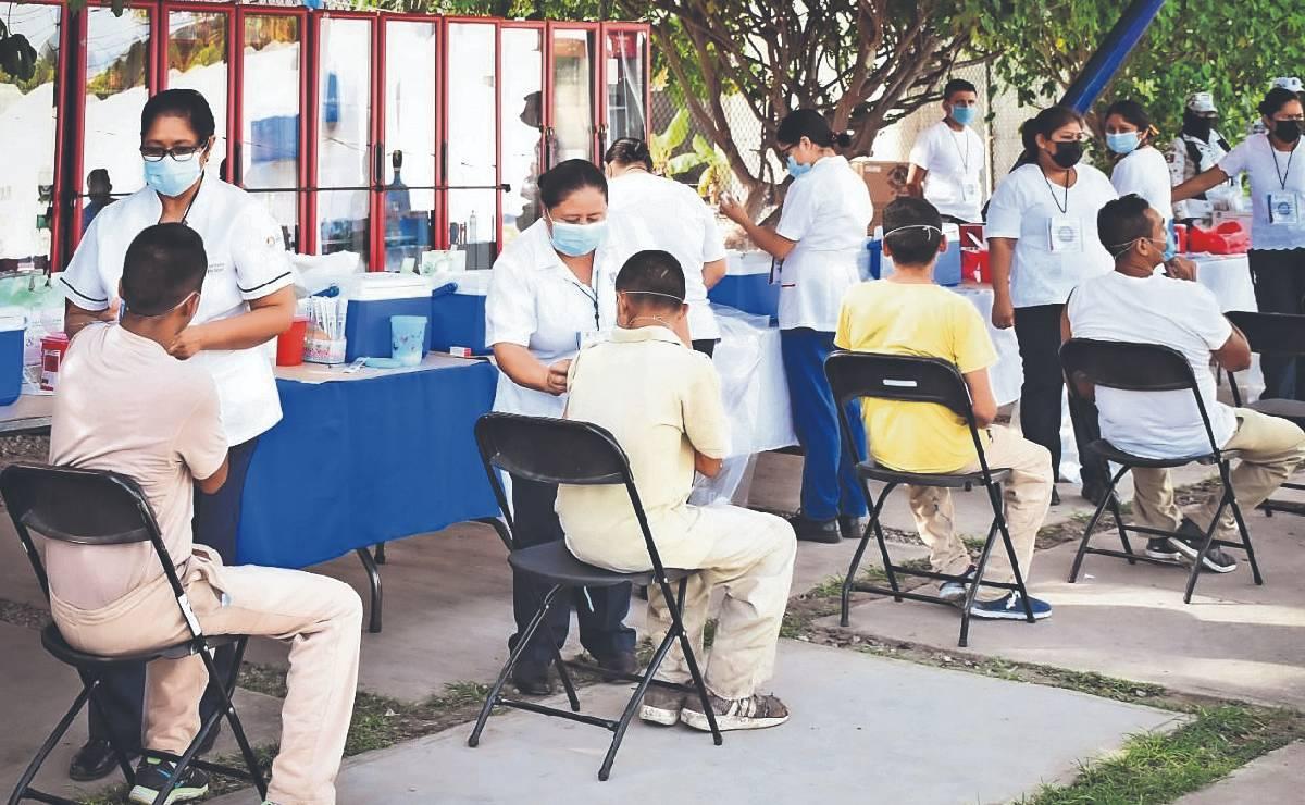 Reclusos mayores de 18 años en Morelos ya tienen completo el esquema de vacunación Covid