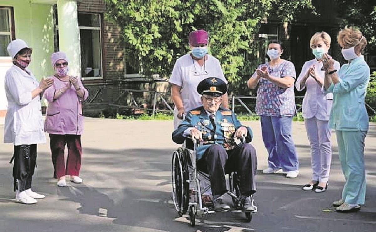 Veterano de la Segunda Guerra Mundial vence al Covid, tiene 102 años