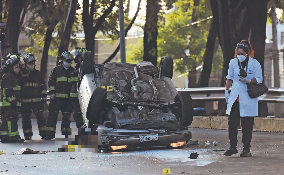 Joven muere desangrado y torcido tras chocar de madrugada en Circuito Interior Río Churubusco
