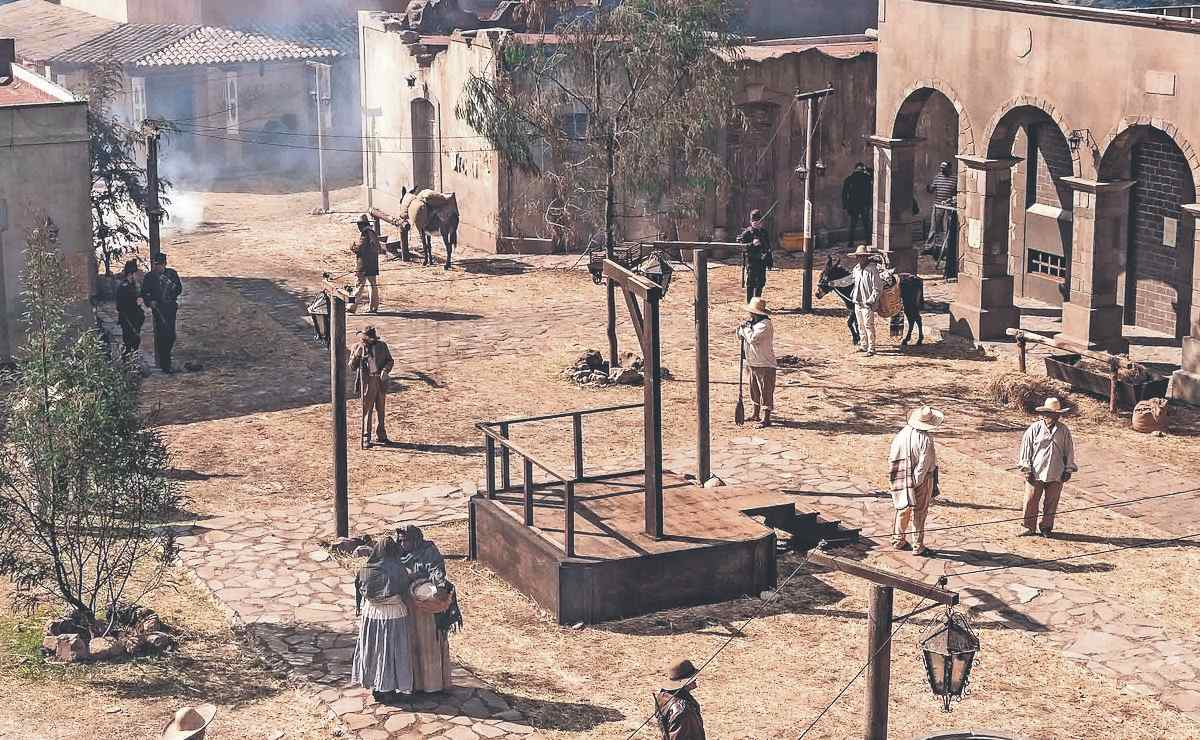 """Revelan nuevas escenas de la serie """"Malverde: El Santo Patrón"""" con detrás de cámaras"""