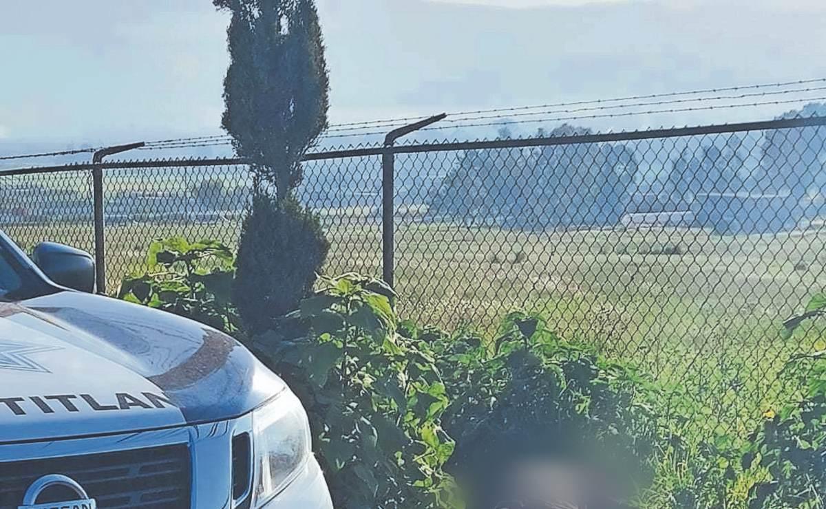 Vecinos encuentran cadáver de hombre con disparo en los 'tanates', en Edomex
