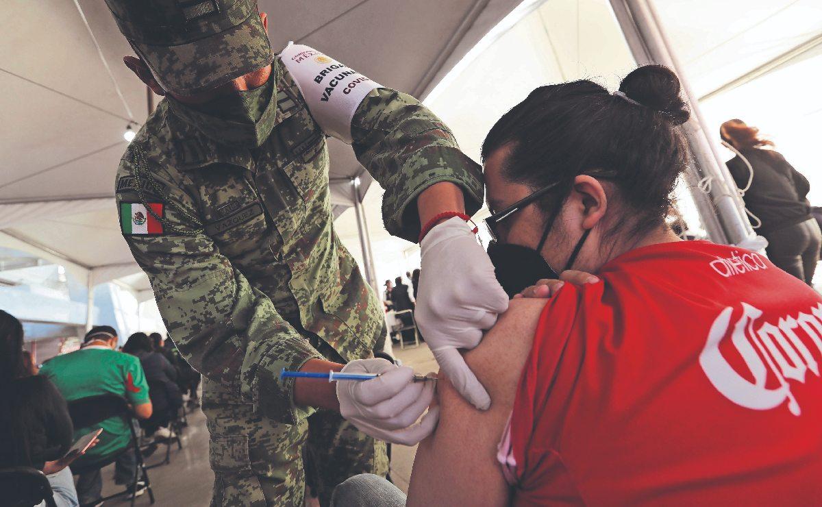 AMLO y Claudia Sheinbaum aceleran vacunación contra el Covid, para enfrentar tercera ola