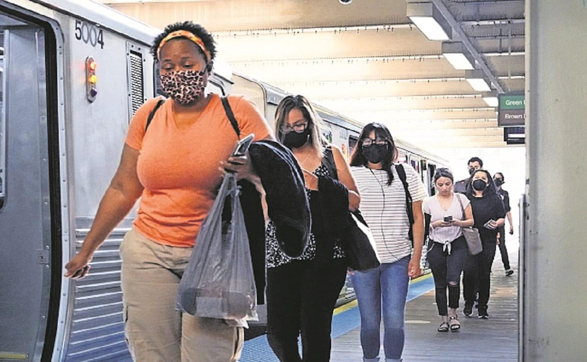 Estados Unidos vuelve a pedir el uso de cubrebocas en lugares cerrados