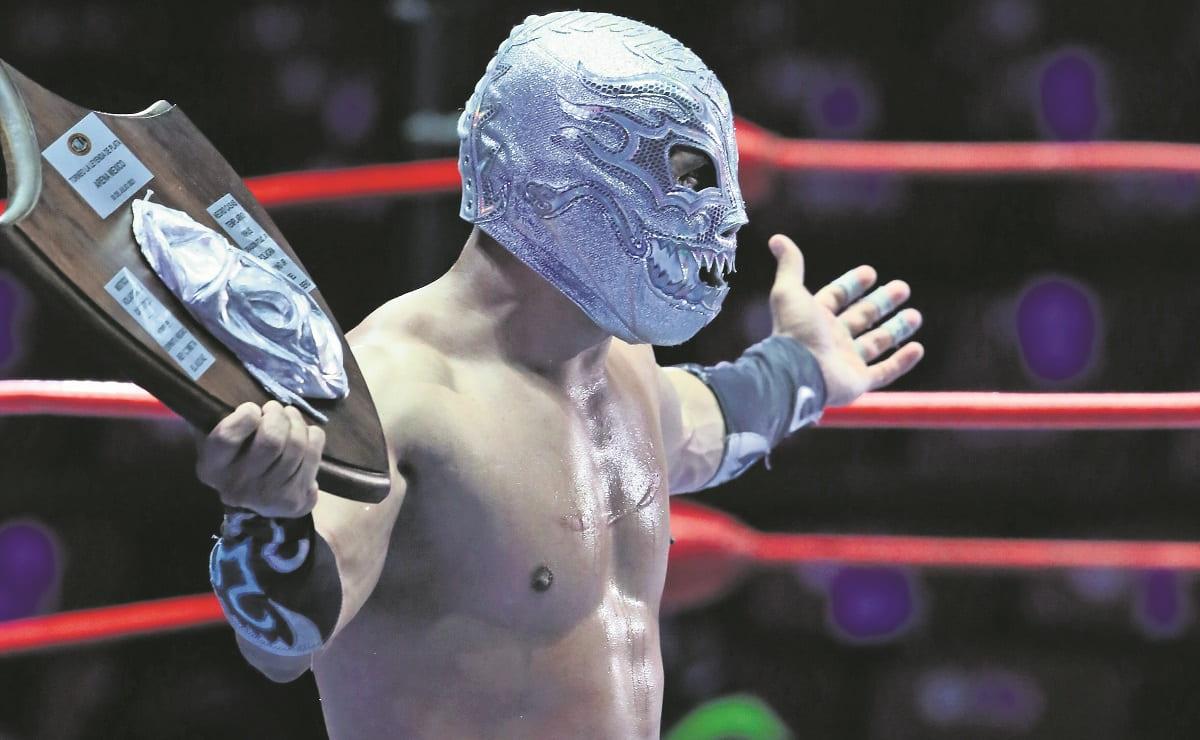 Titán se da un baño de plata, venció en duelo espectacular a Templario en la Arena México