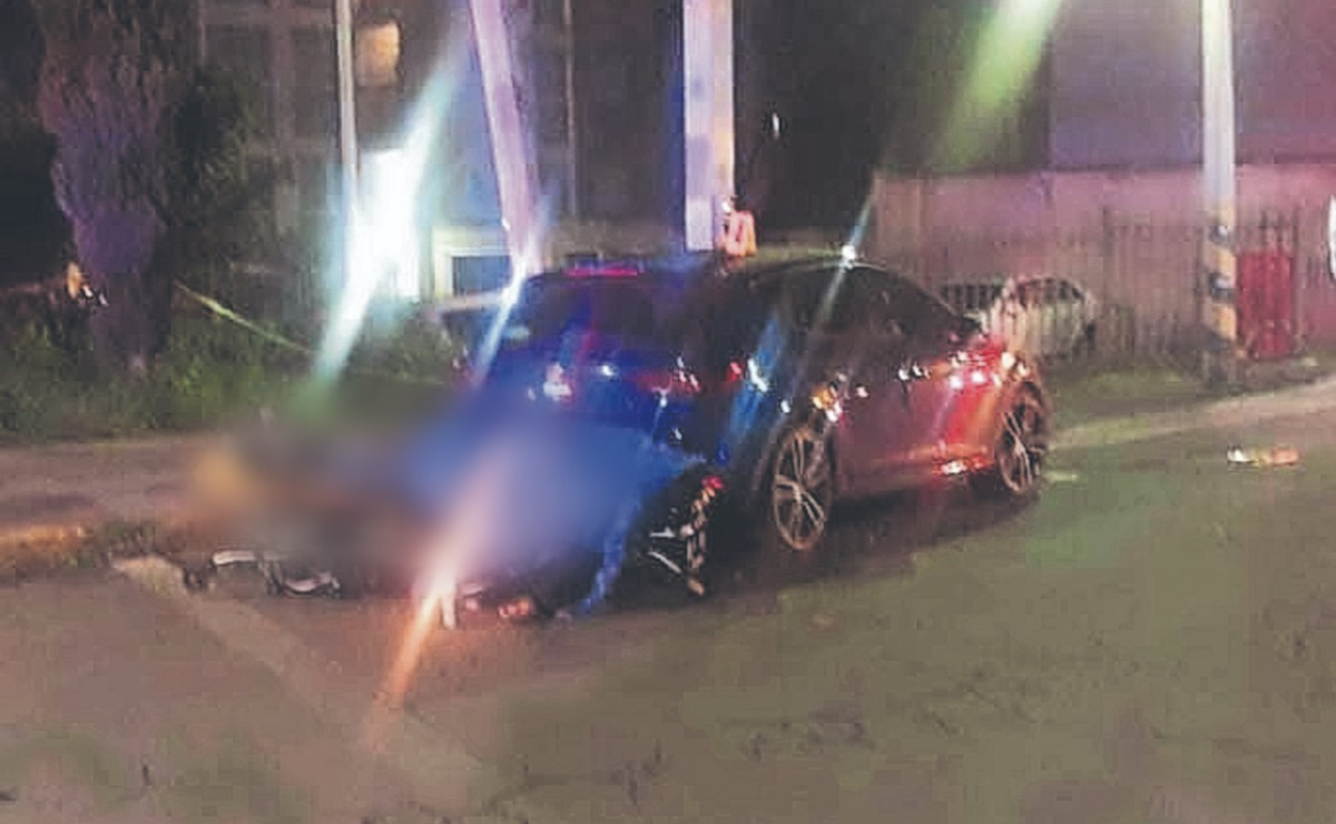 Encuentran cadáver de joven en Tlalnepantla, había cartucho de bala y auto le pasó encima