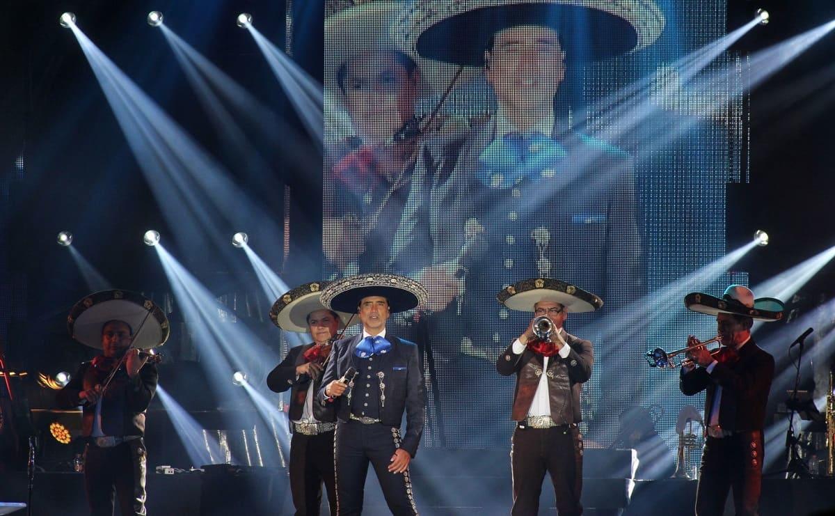 Alejandro Fernández ofrecerá una 'Serenata por México', gratuito para los fans