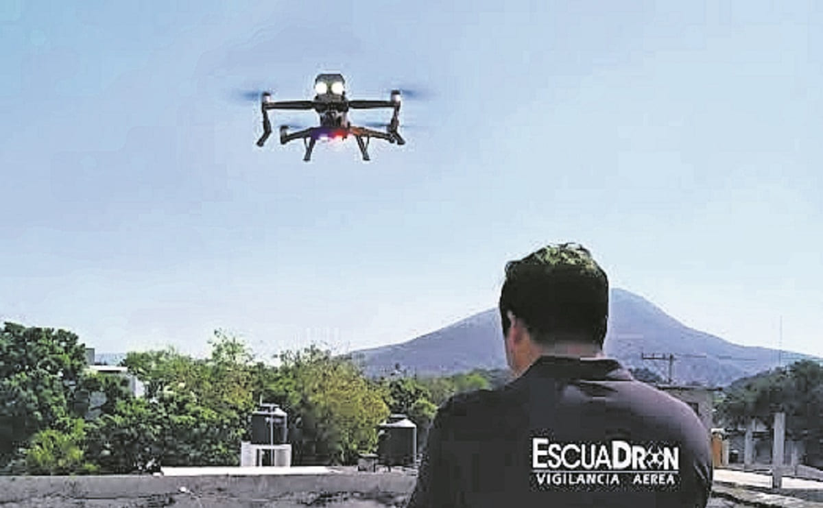 Grupos delictivos ofrecen 5 mil pesos por derribar dron de vigilancia, en Jojutla