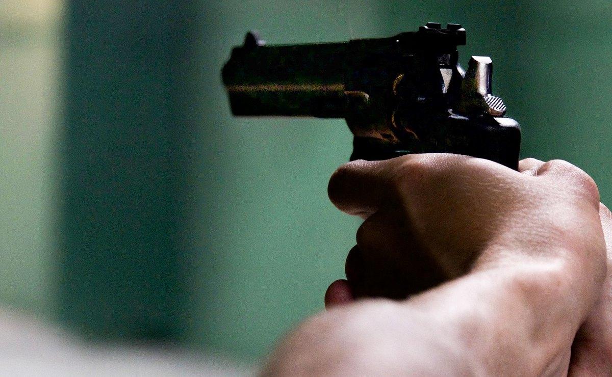 Pistoleros frenan a balazos la borrachera a una pareja, en calles de la CDMX