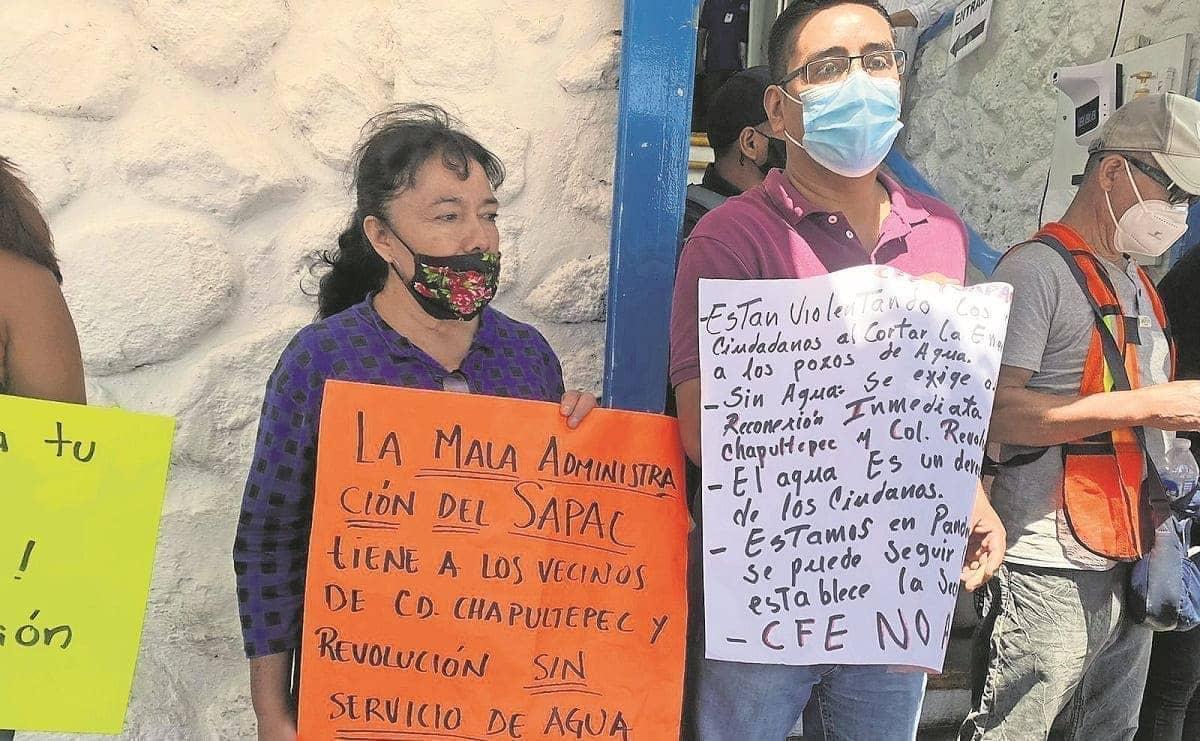 """Habitantes en Cuerna aseguran que piperos """"hacen su agosto"""" con ellos, pues no tienen agua"""