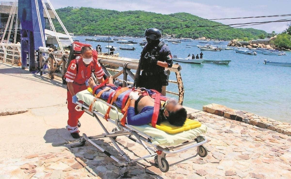 Grupos criminales arman balacera y dejan tres hombres heridos en las playas de Acapulco