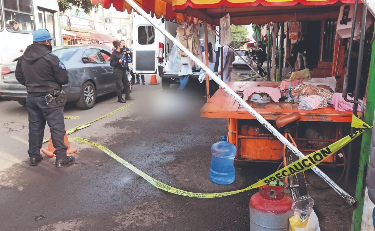 Mujer queda sin cerebro tras caer de moto donde iban 3 y ser atropellada, en Xochimilco