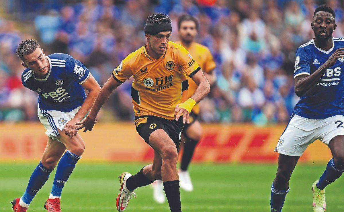 Tras fractura de cráneo, Raúl Jiménez vuelve a jugar en la Premier League