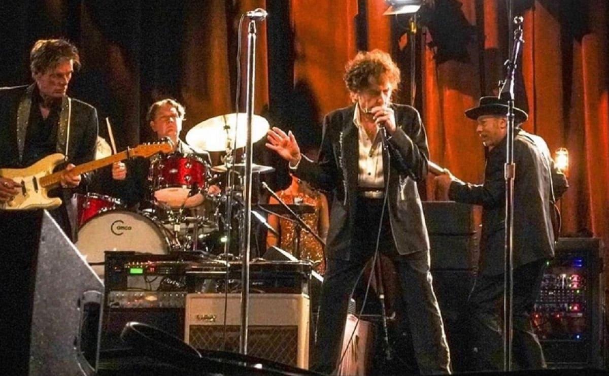 Acusan a Bob Dylan de abusar sexualmente de una niña de 12 años, en 1965