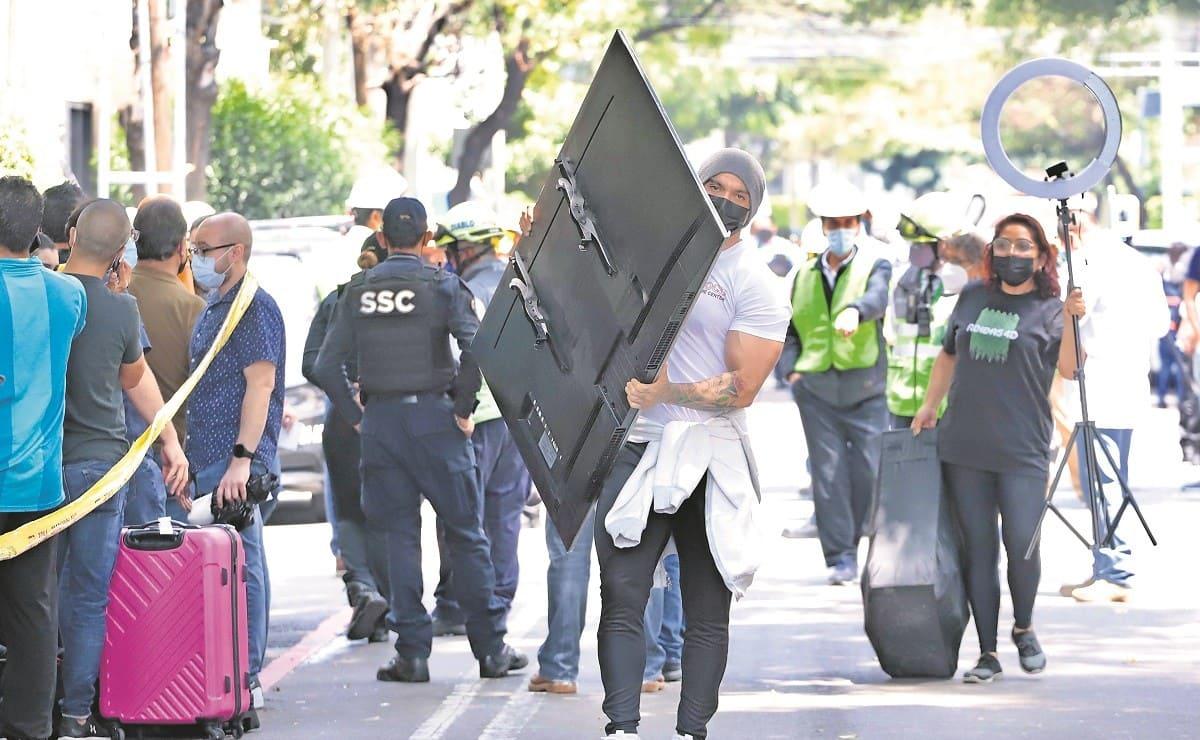 Vecinos del edificio en Benito Juárez denuncian saqueos tras la explosión