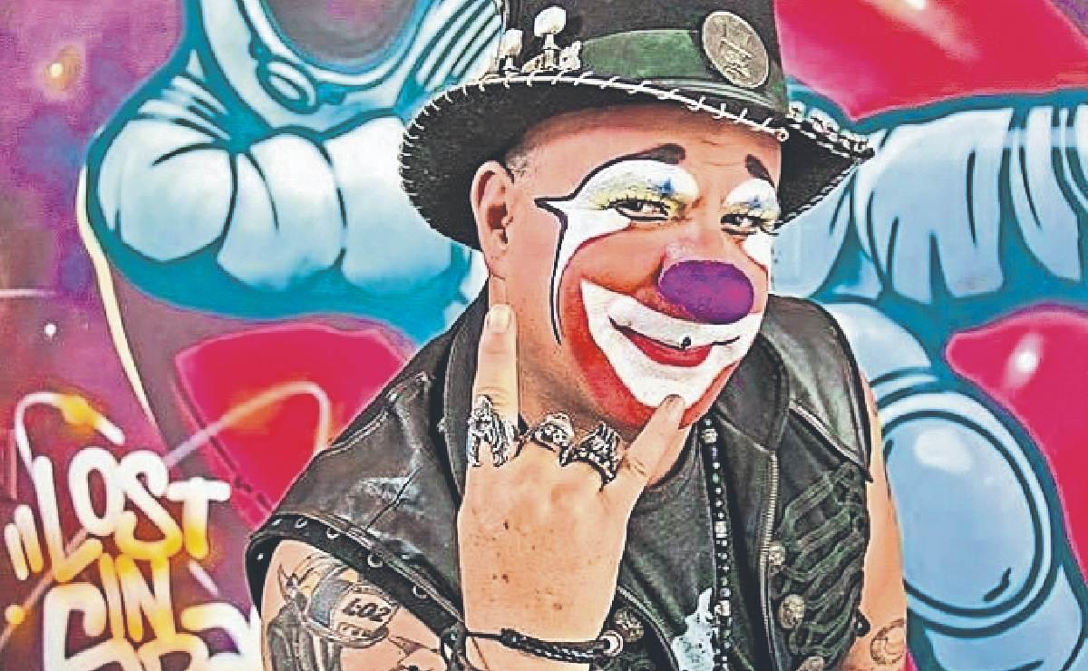 Luego de superar el Covid, el payaso Platanito regresa al circo para dar funciones