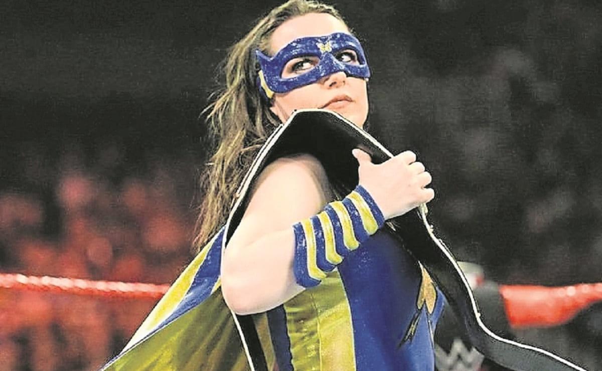Nikki A.S.H. expone esta noche su cinturón ante Charlotte y Rhea Ripley, en las Vegas