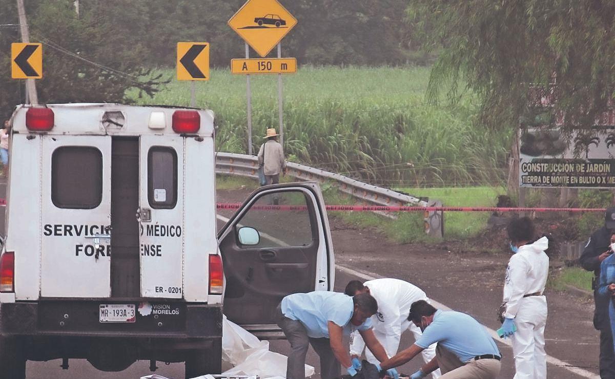 """Autos descabezan y descuartizan a hombre en """"el sitio donde venden los elotes"""", Morelos"""