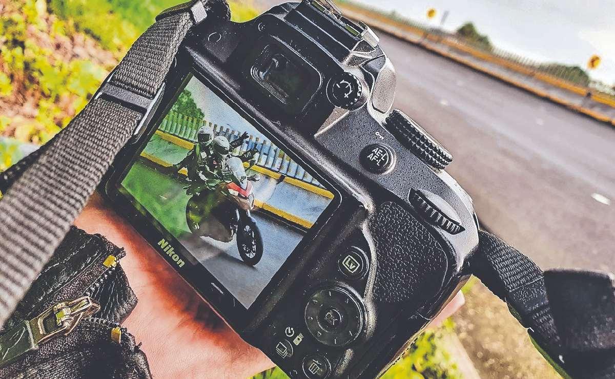 Peligra la tradicional toma de fotos de motociclistas en plena acrobacia, en la México - Cuernavaca