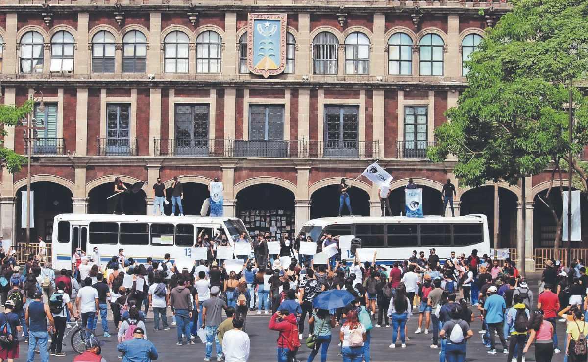 Universitarios rechazan alza en en la tarifa del transporte público, en Morelos