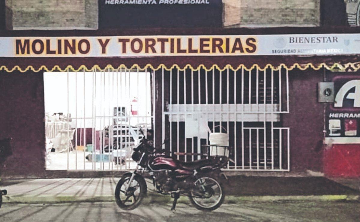 """Denuncian tortillerías """"pirata"""" con logos de la Secretaría del Bienestar, en Neza"""