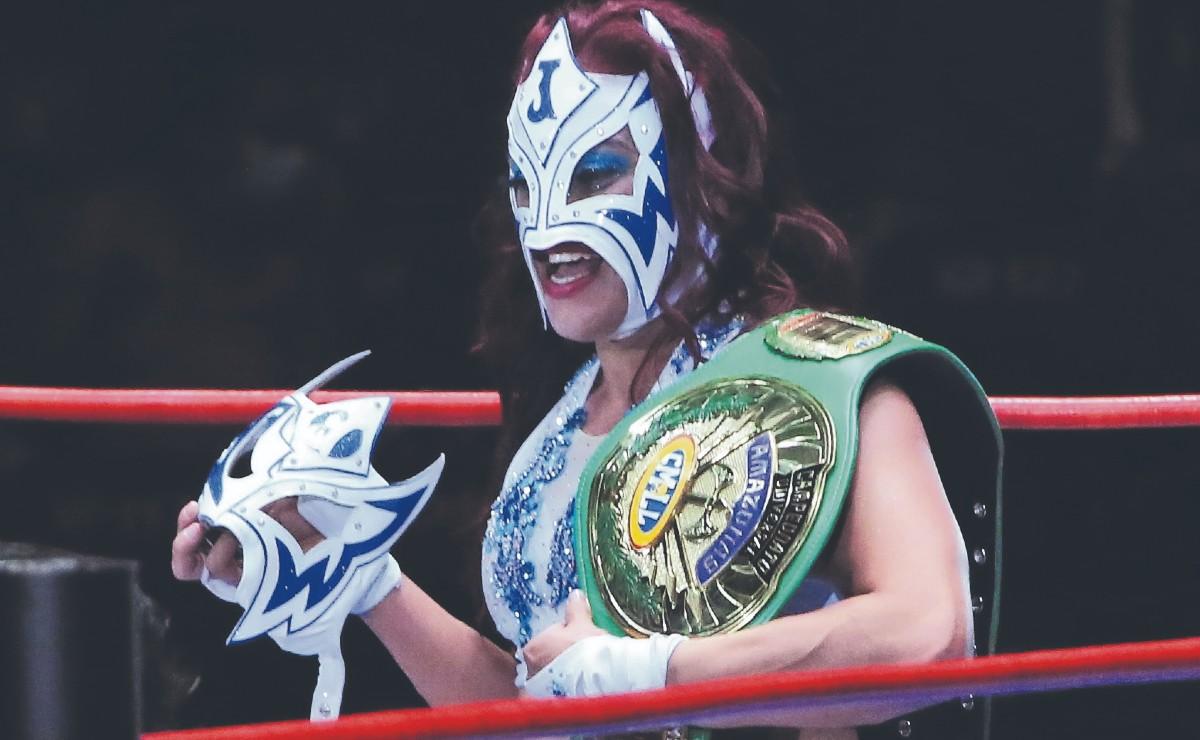 La Jarochita venció a Dark Silueta para convertirse en campeona universal