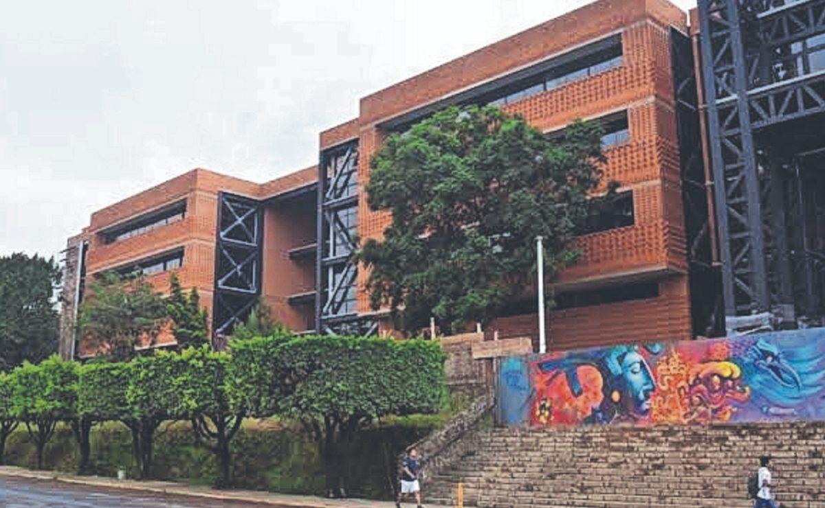 Sólo hoy aplicarán vacuna a universitarios de Cuernavaca, en la UAEM de Chamilpa