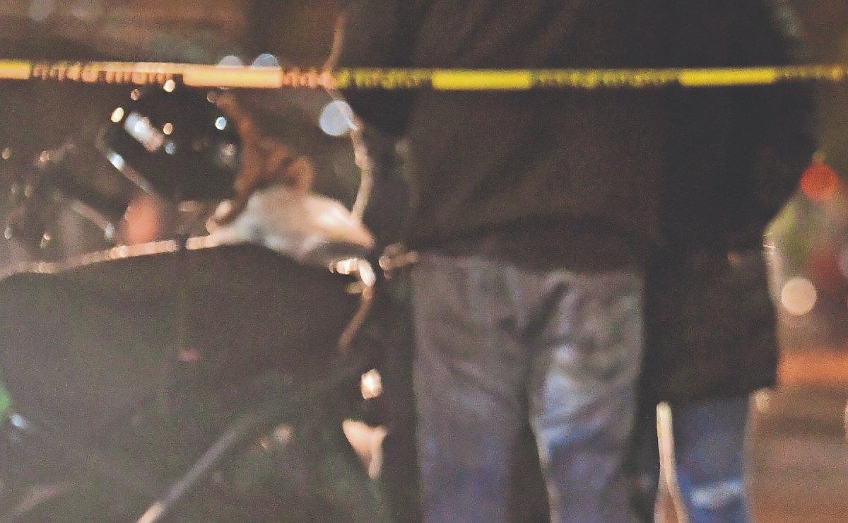 Automovilista atropella y mata a mujer motociclista, en la CDMX