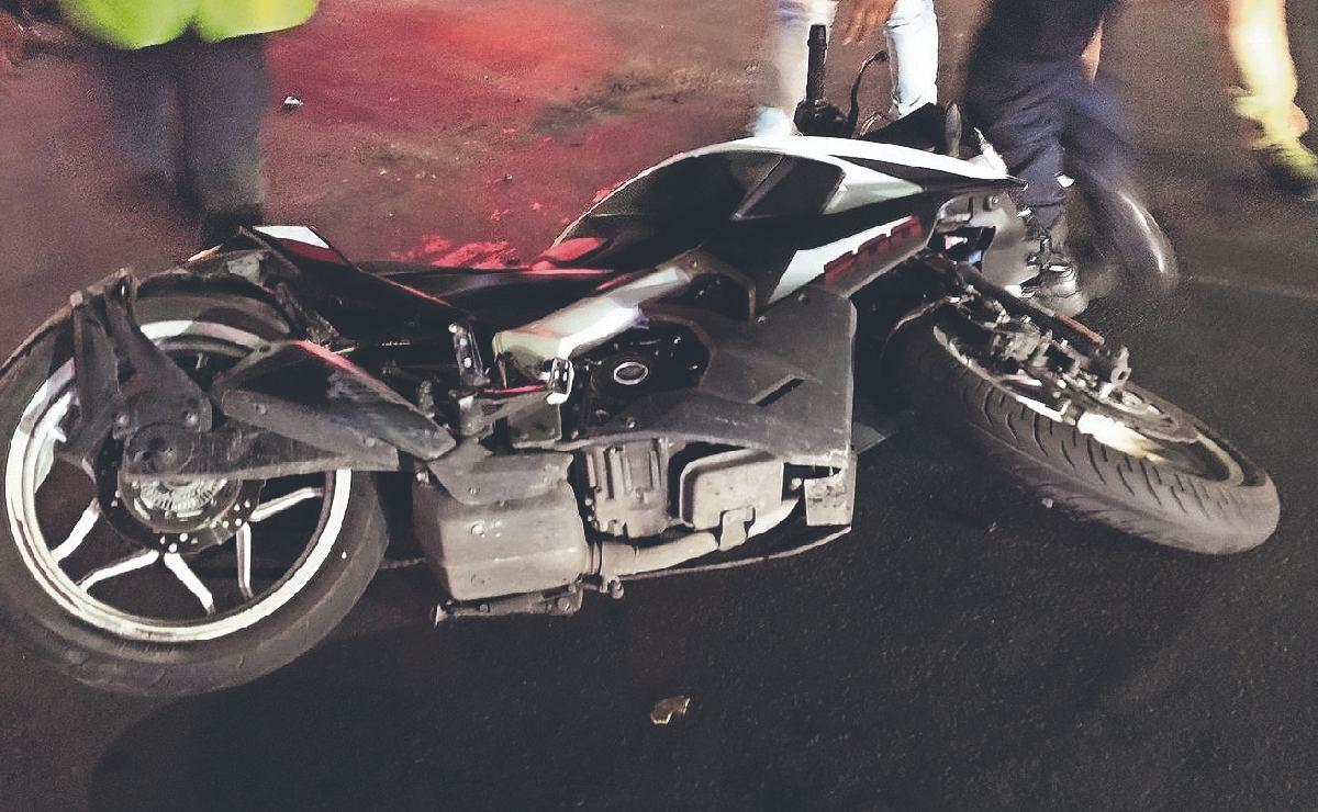Automovilista atropella a tres motociclistas y la familia de estos lo linchan, en el Edomex