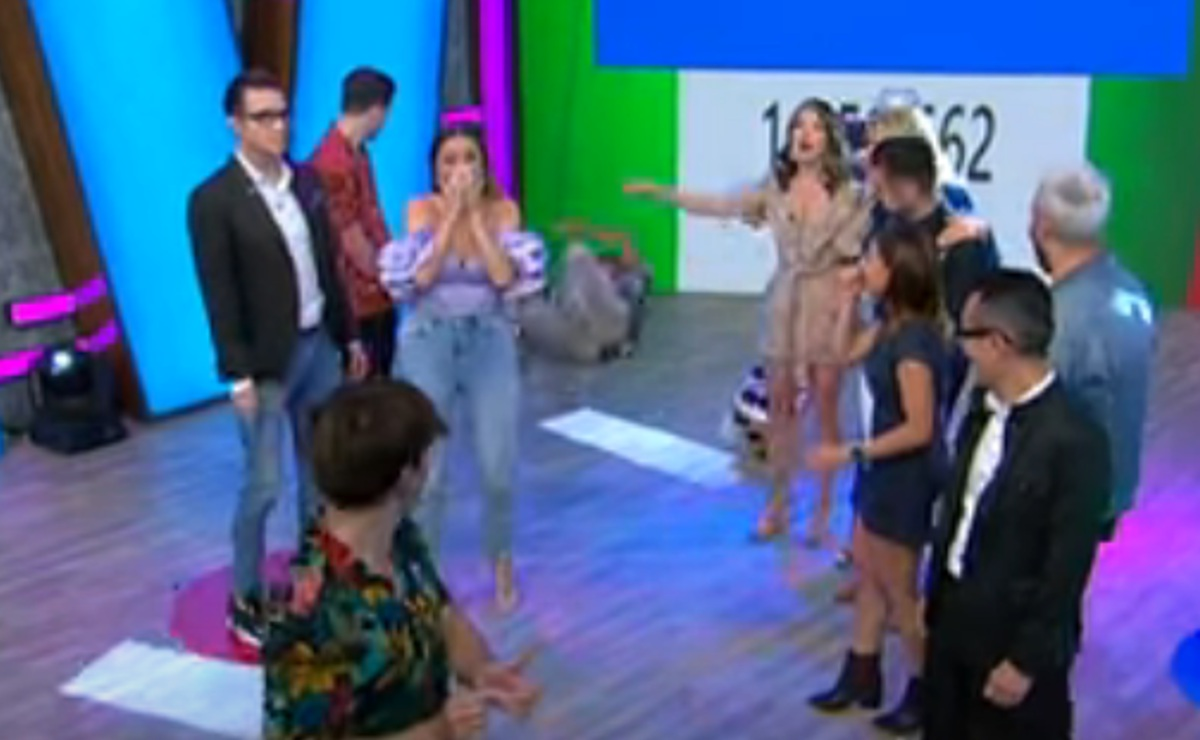 "Captan a Cynthia Rodríguez golpeando en la cara al ""Capi"" Pérez, en pleno programa"