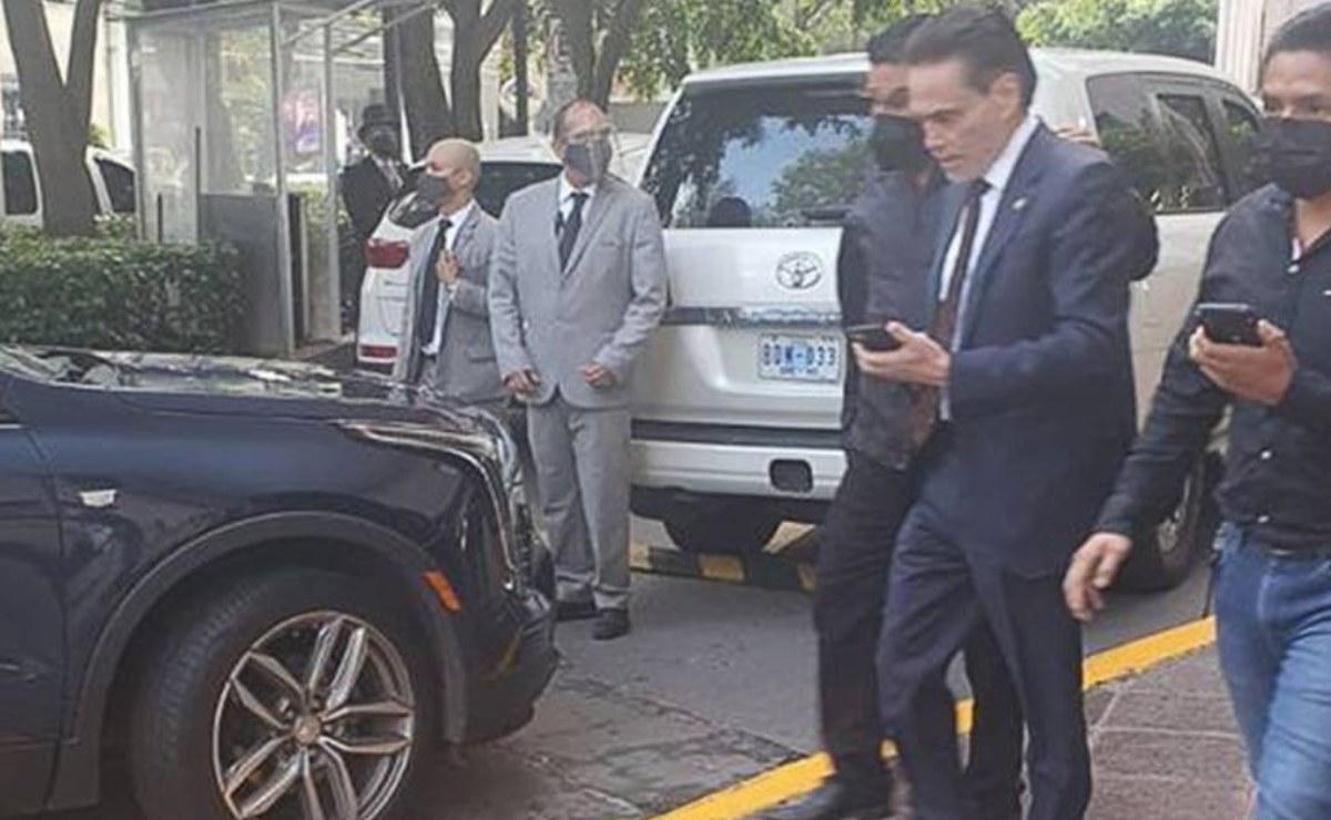 Detienen por fraude a Alejandro del Valle, presidente de Interjet